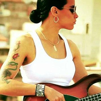 Carmen Niño esong